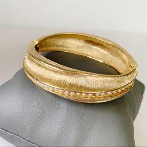Vintage 1950s Mode Art Goldtone Pearl Bangle Cuff